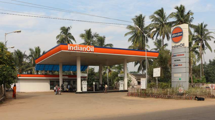 Indian Oil Corp net profit jumps 25% in Q1FY17; shares remain flat